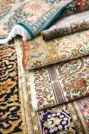 RUGS & CARPET
