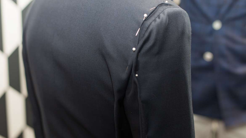Jacket shorten sleeves shoulder